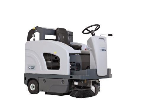 Подметальная машина с местом для оператора Nilfisk SW4000 LPG - фото 4684