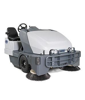 Подметальная машина с местом для оператора Nilfisk SW8000 LPG - фото 8218