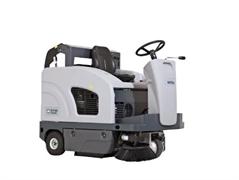 Подметальная машина с местом для оператора Nilfisk SW4000 LPG