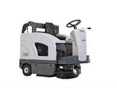 Подметальная машина с местом для оператора Nilfisk SW4000 P
