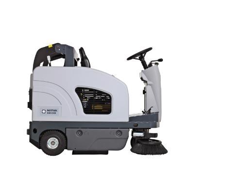 Подметальная машина с местом для оператора Nilfisk SW4000 B - фото 4722